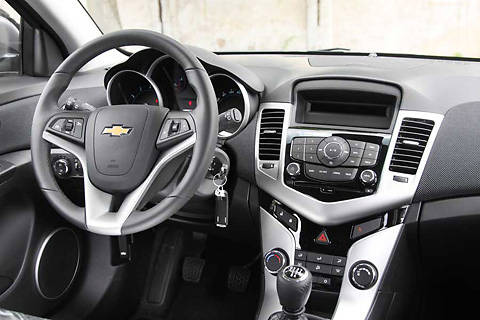 Chevrolet-Cruze 2 salon